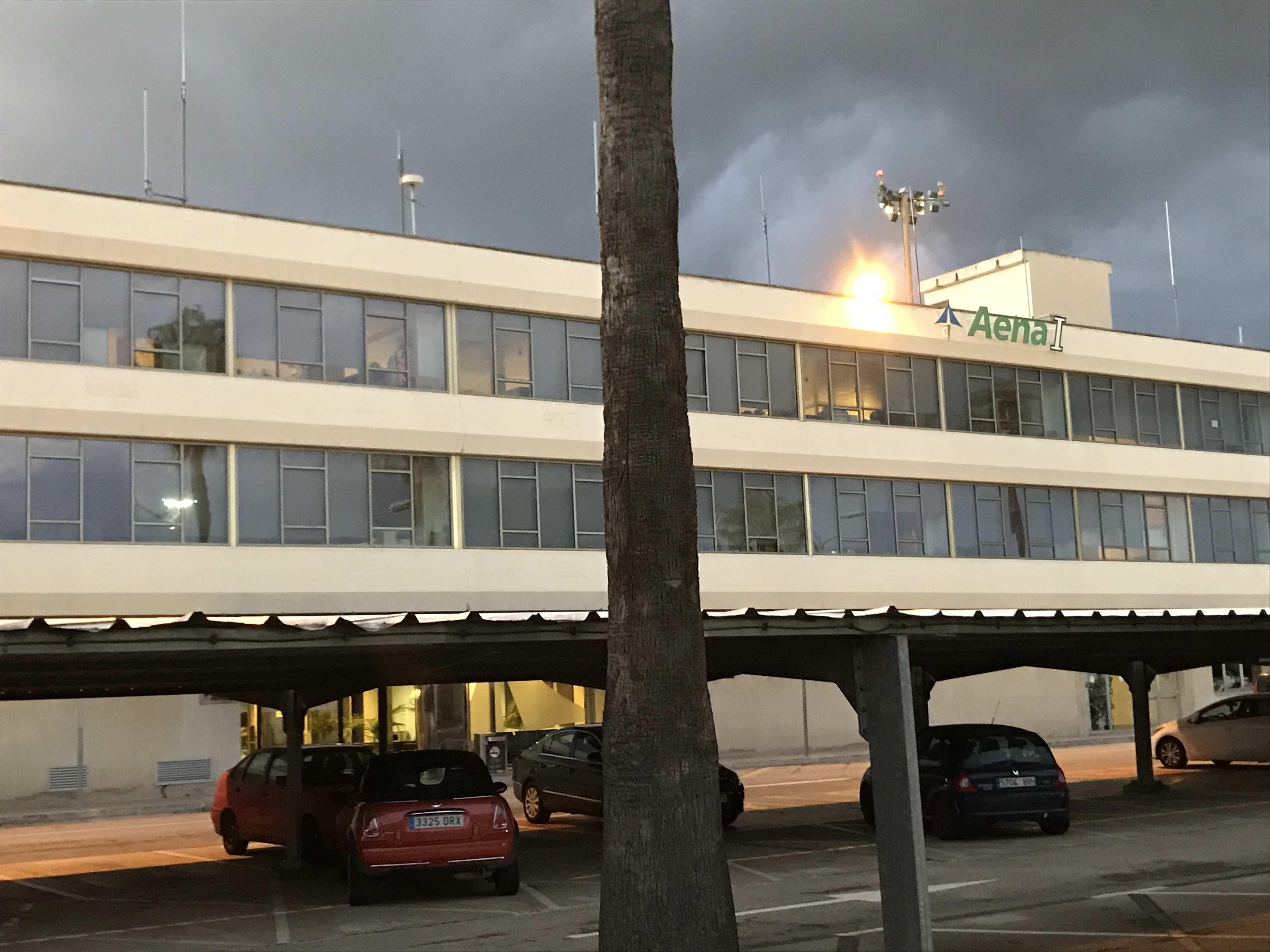 Aeropuerto reformas de las oficinas de ingeneria - Empresas de construccion en mallorca ...